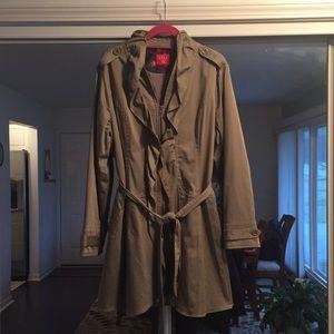 Women's XL khaki jacket.